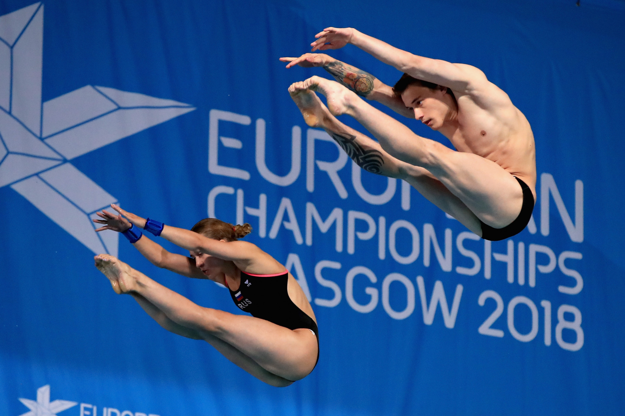 Russia's Yulia Timoshinina and Nikita Shleikher secured victory in the mixed synchronised 10m platform final ©Getty Images