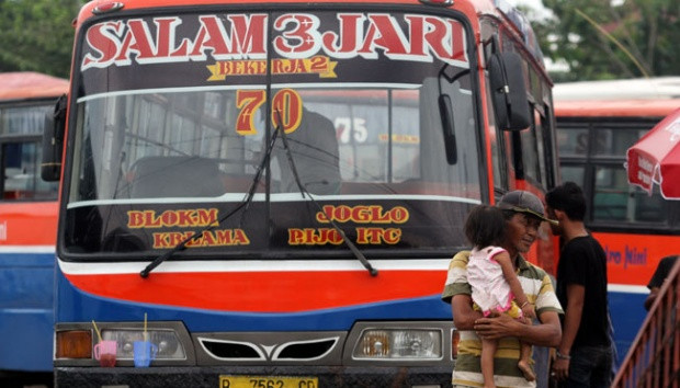 Jakarta bans minibuses in centre of city in latest attempt to ease traffic congestion for Asian Games