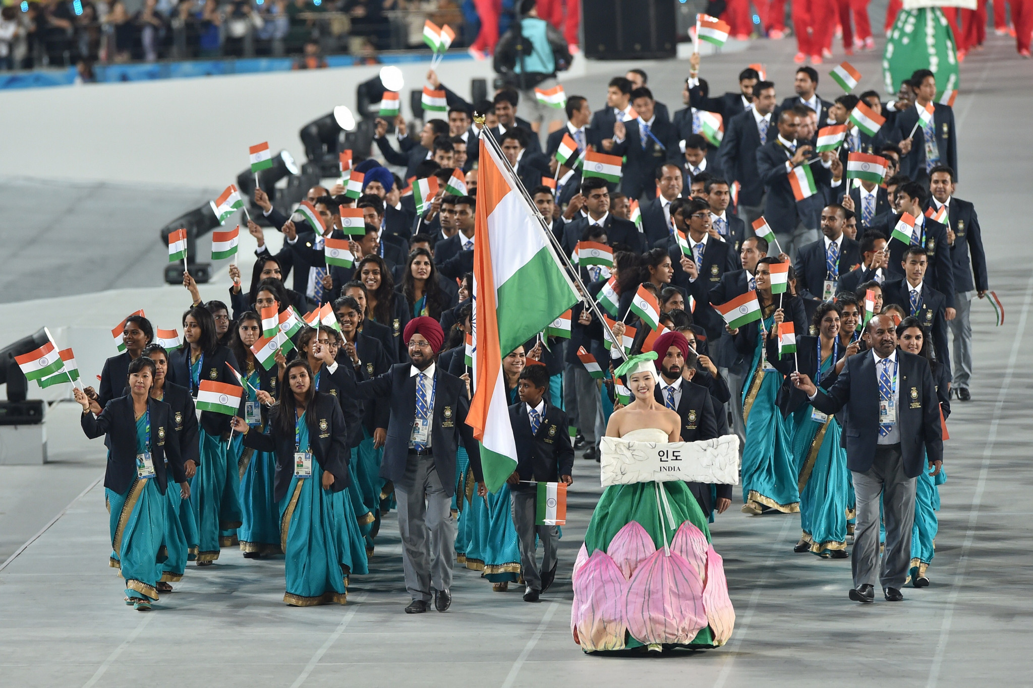 Hockey captain Sardar Singh carried India's flag at the Opening Ceremony of the 2014 Asian Games in Incheon ©Getty Images