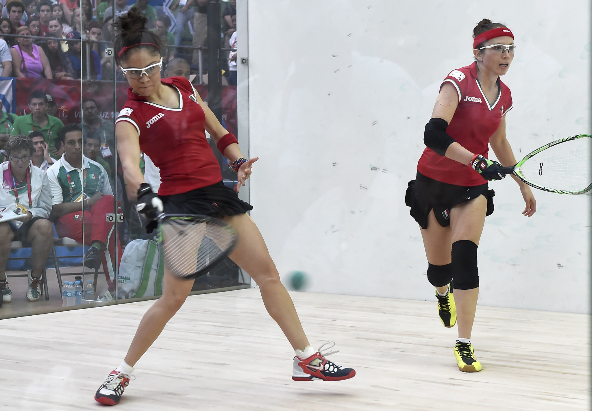 Paola Longoria, left, has won her first match at the Racquetball World Championships in Colombia as she looks to defend her title ©Getty Images