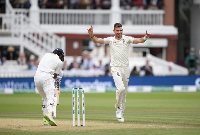 James Anderson remains top the world bowling rankings in Test cricket ©Getty Images