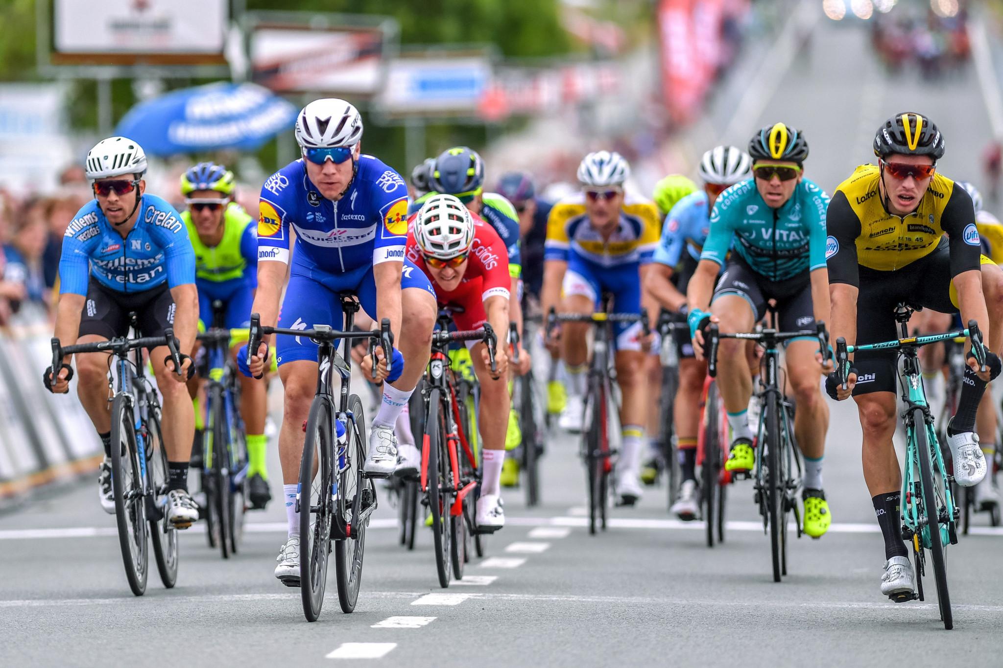 Jakobsen takes opening stage of BinckBank Tour as Vos wins in Vårgårda