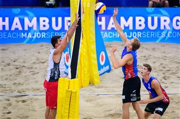 Norway's Anders Mol and Christian Sorum earn victory in their opening pool match at the FIVB Beach Volleyball World Tour finals today ©FIVB