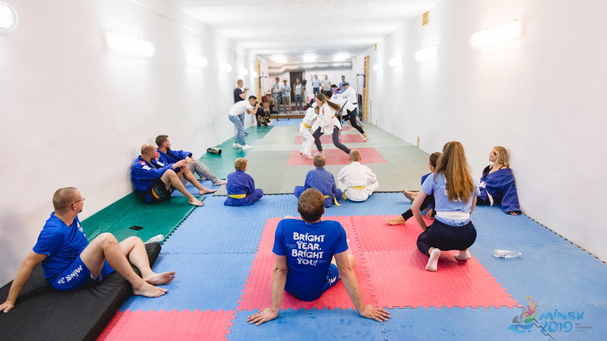 European judo champion Marina Slutskaya put the participants through their paces ©Minsk 2019
