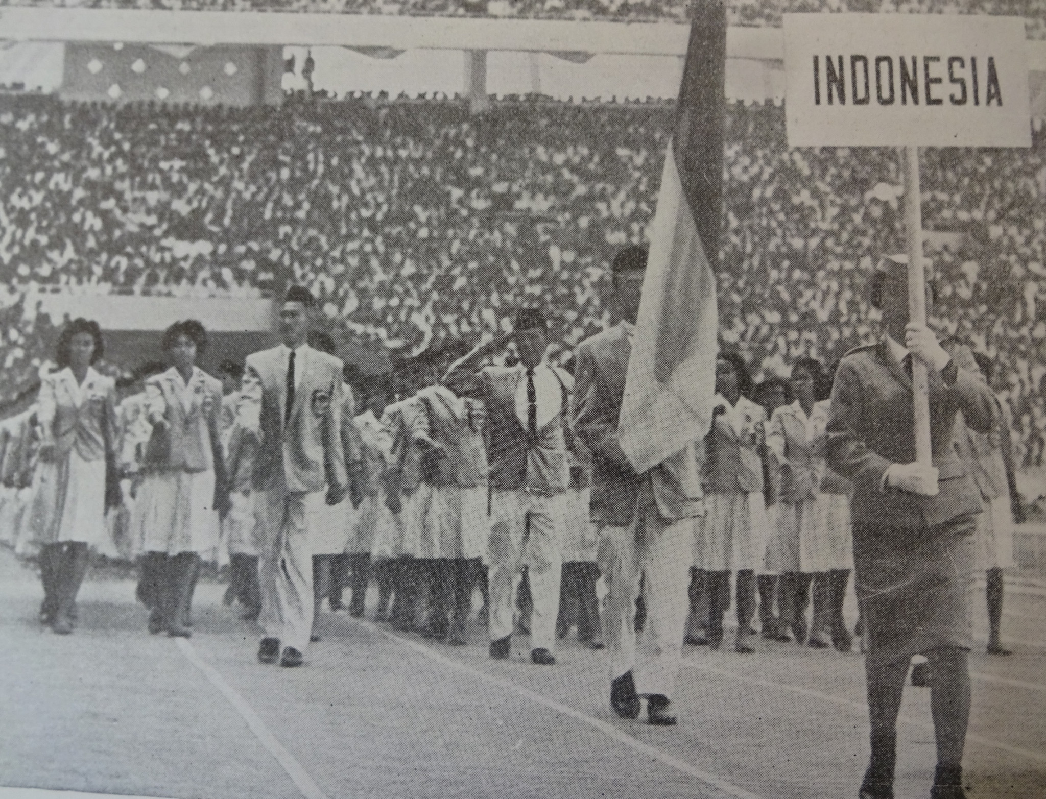 The biggest team at the 1962 Asian Games came from hosts Indonesia  ©Official Report Jakarta 39def0981