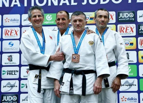 Cena claims rare gold for Kosovo at IJF Veteran World Championships