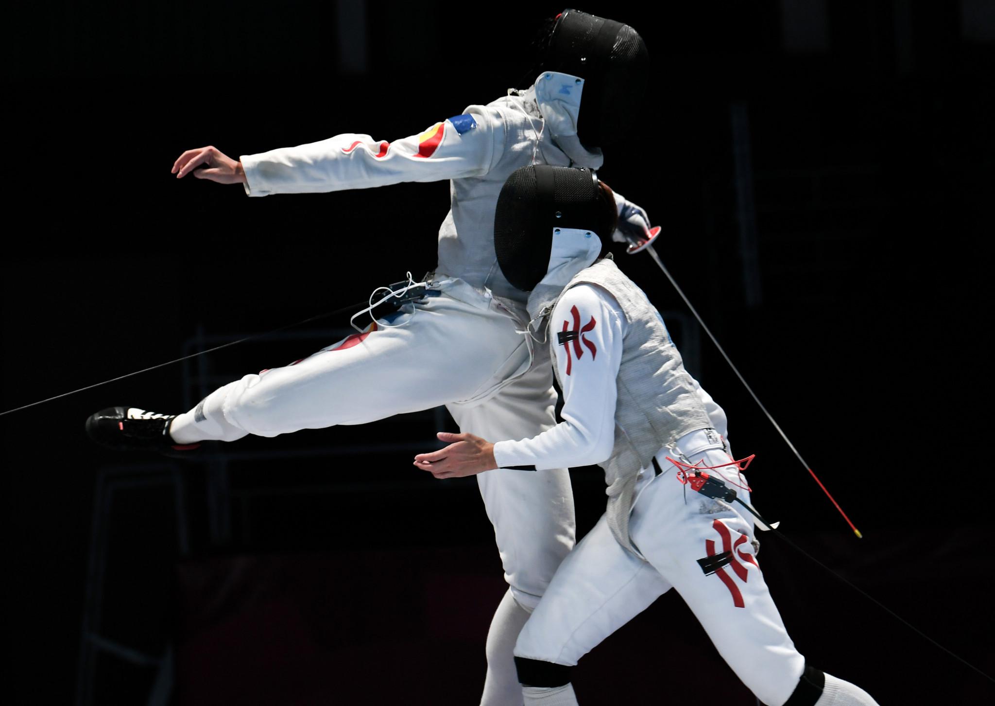 China's Huang Mengkai beat Hong Kong's Nicholas Edward Choi in the men's foil individual gold medal bout ©Getty Images