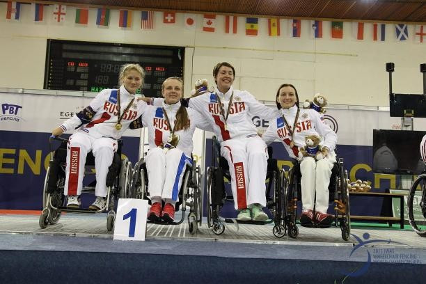 Russia celebrate gold on the final day of action at the World Wheelchair Fencing Championships ©Eger 2015