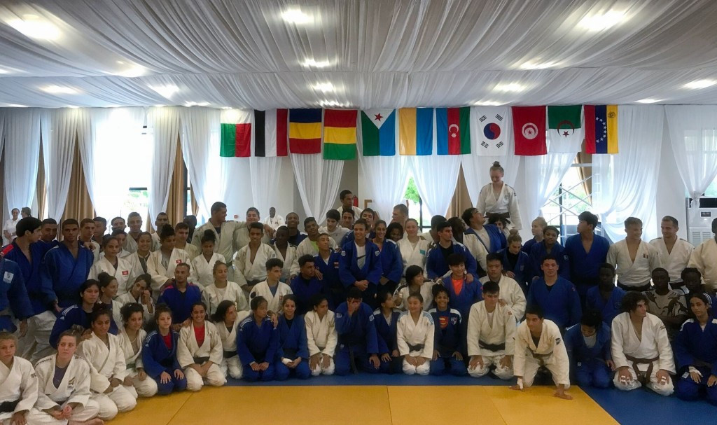 Buenos Aires 2018 judoka tutored at training camp by two Olympic champions