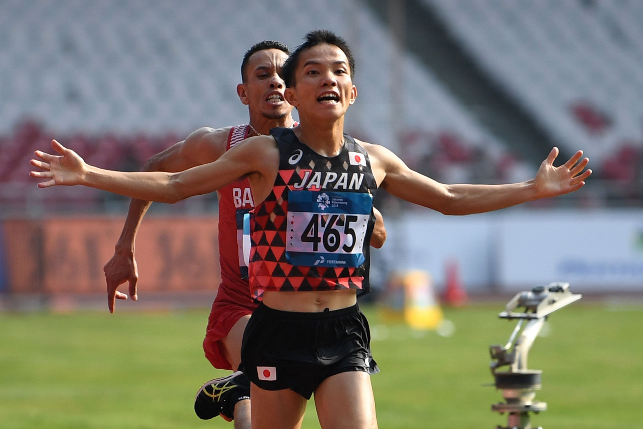 Inoue wins controversial men's marathon title as athletics action begins at 2018 Asian Games