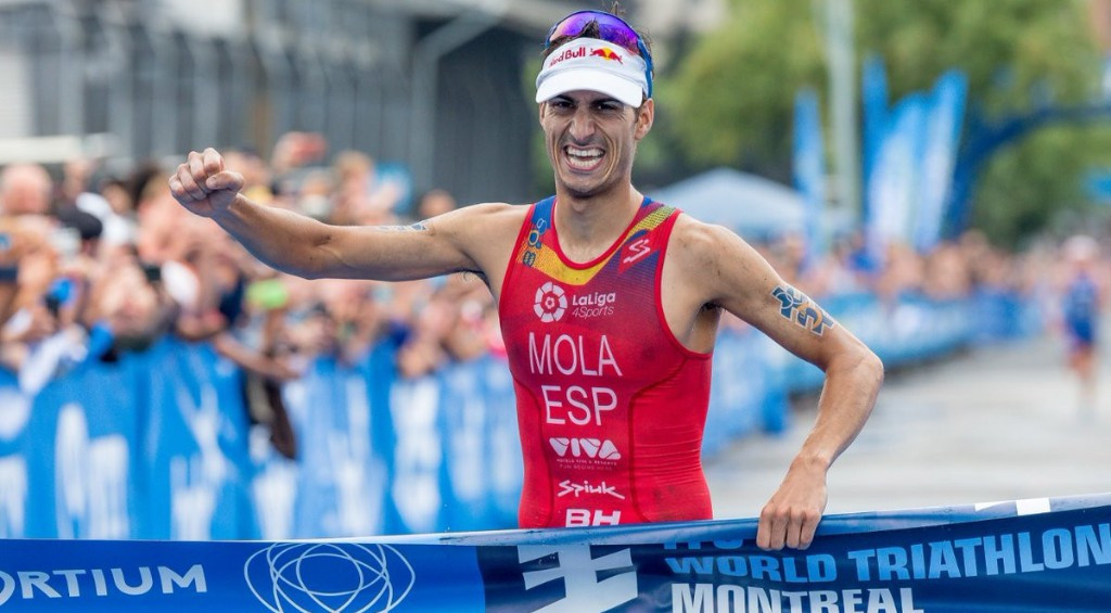 Mario Mola celebrated a fourth win of the season in Montreal ©ITU