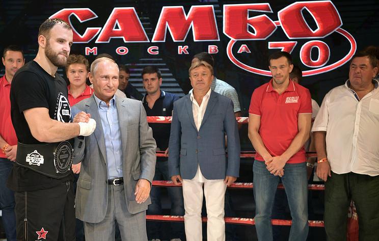Putin attends combat sambo tournament in Sochi