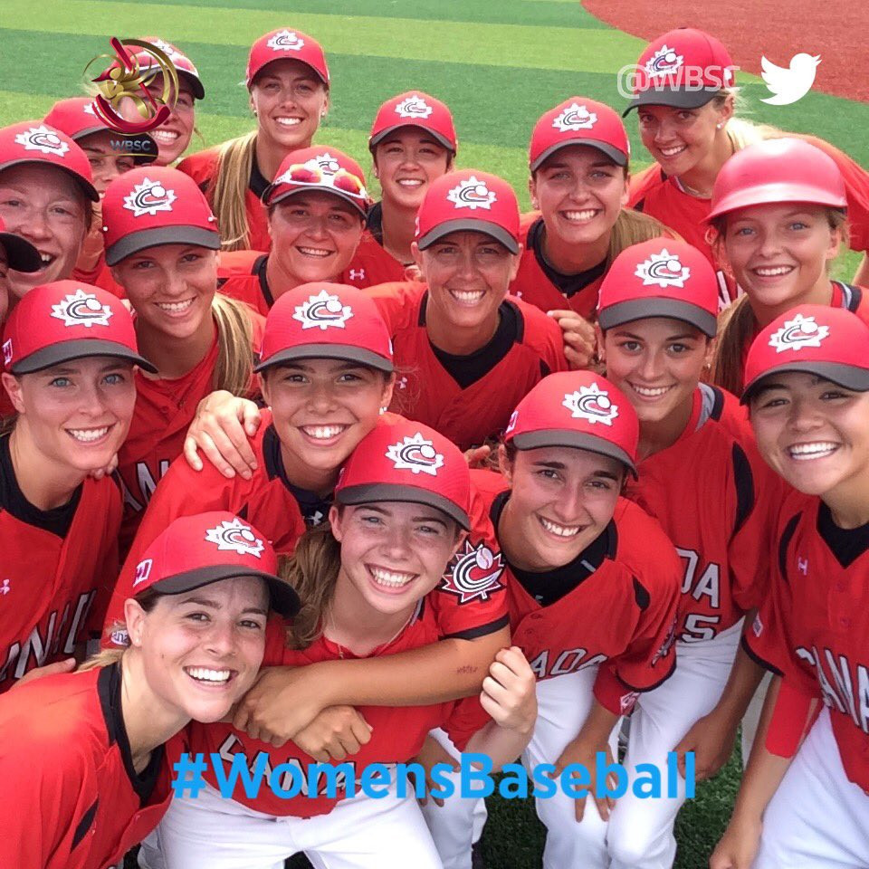 Canada's women's baseball team are all smiles as they see off Venezuela, 5-0 in the super round ©WBSC/Twitter