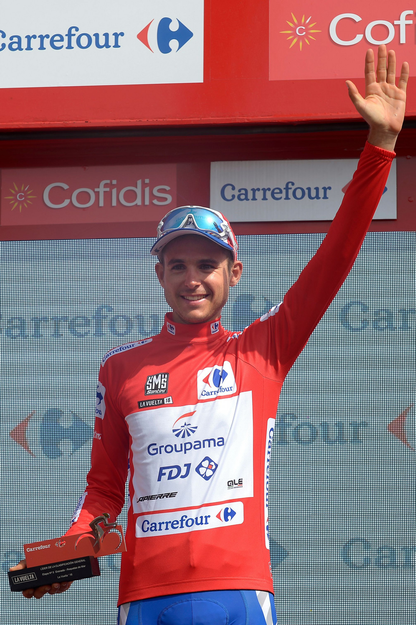 Molard takes red jersey from Kwiatkowski as Van Vleuten secures second stage win at Vuelta