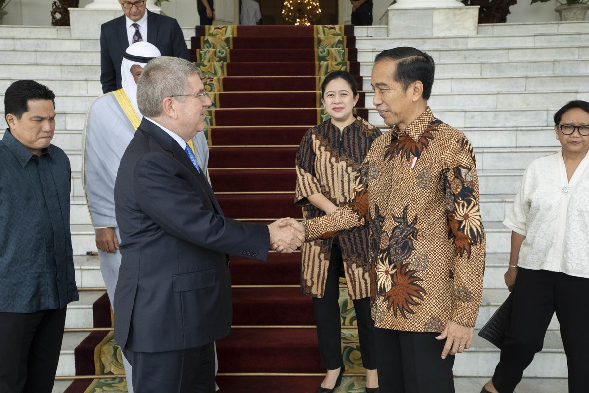 Indonesia's President meets Bach and announces bid intention for 2032 Olympics