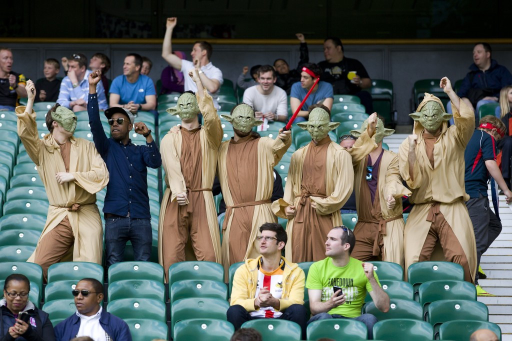 Crowds for 2016 London Sevens tournament controversially cut by RFU - as fancy dress banned