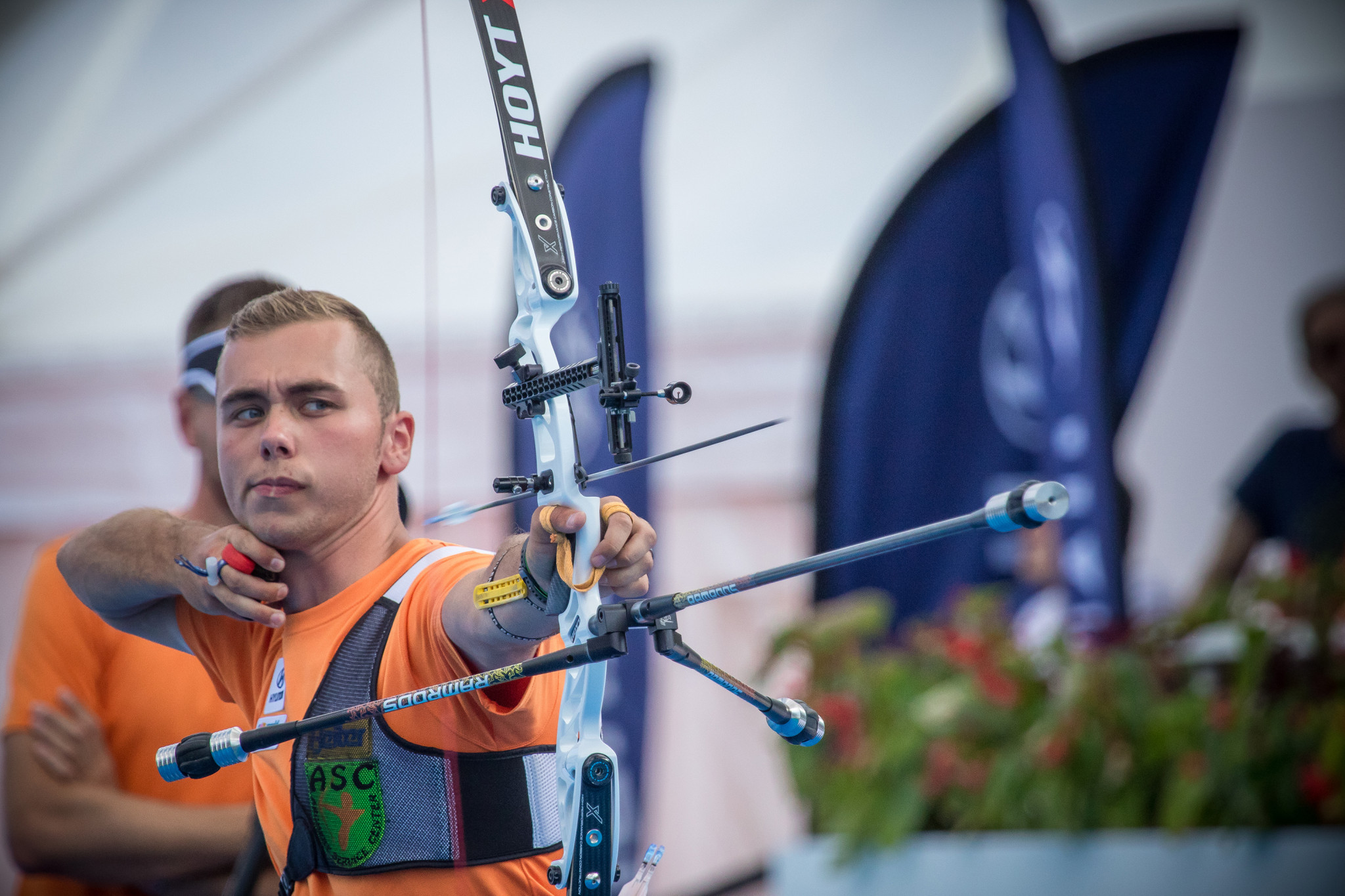 Wijler beats Olaru in shoot-off for men's recurve gold at European Archery Championships