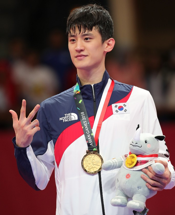 South Korean taekwondo star Lee explains lack of celebration after Asian Games gold