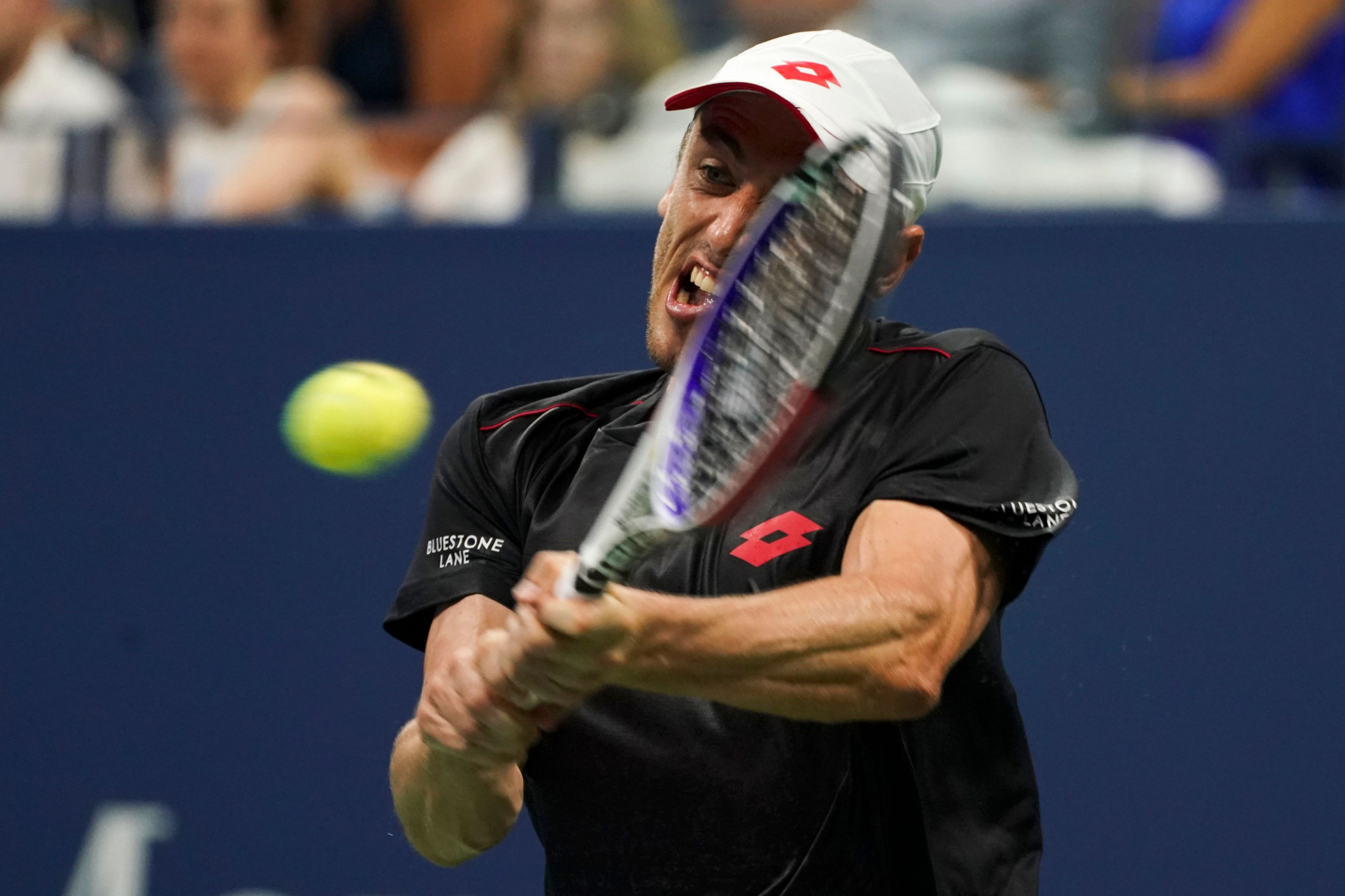 Federer crashes out of US Open with shock defeat to world number 55