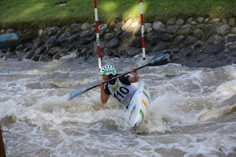 Satila pips Fox to qualify top in K1 heats at ICF World Cup Final