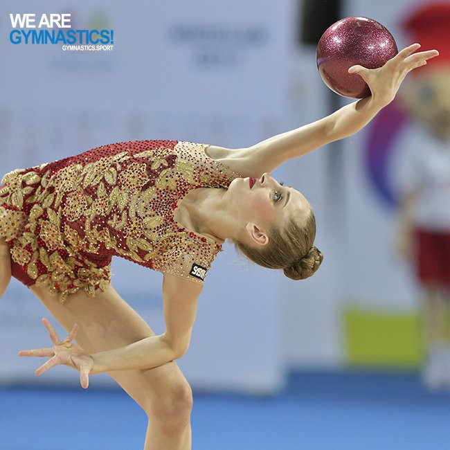 Russia and hosts Bulgaria shine in qualification at FIG Rhythmic Gymnastics World Championships