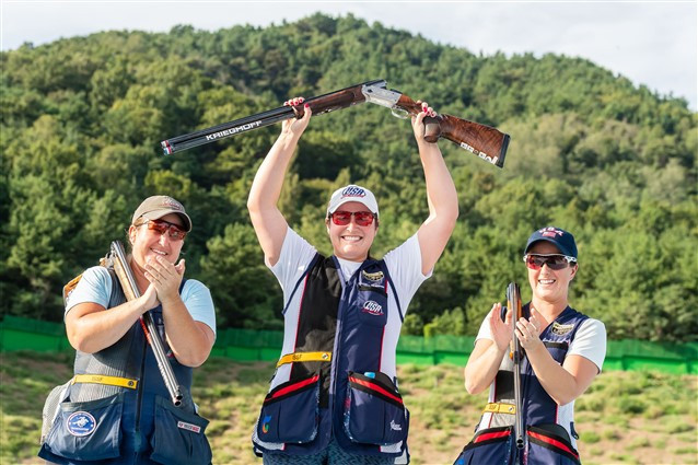 United States dominate the podium in women's skeet at ISSF World Championships