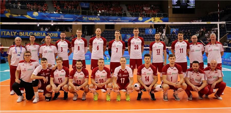 Defending champions Poland began their campaign with a victory ©FIVB