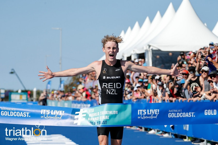 A surge over the final 2km of his run earned New Zealand's Tayler Reid the men's world under-23 world triathlon title on Australia's Gold Coast ©ITU