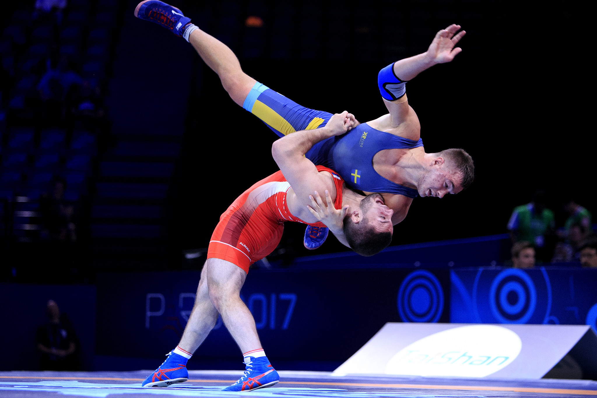 Eurosport agree deal with UWW to broadcast major wrestling events up