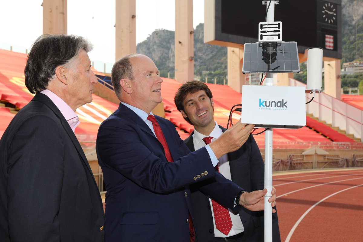 Prince Albert II attended the unveiling of the new monitor at the Stade Louis II with IAAF President Sebastian Coe ©IAAF