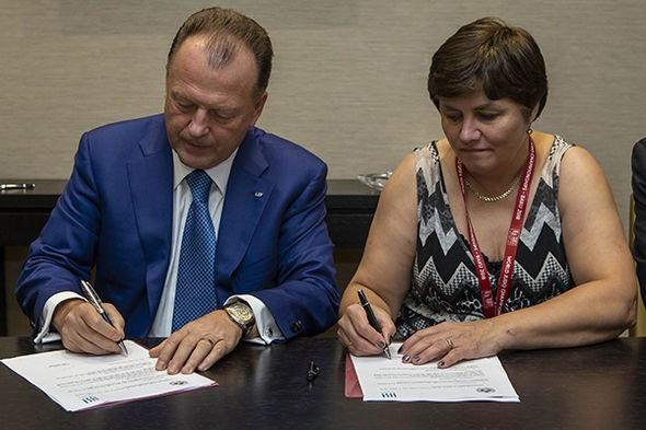 Para judo moves closer to becoming part of IJF after IBSA sign Mou at World Championships