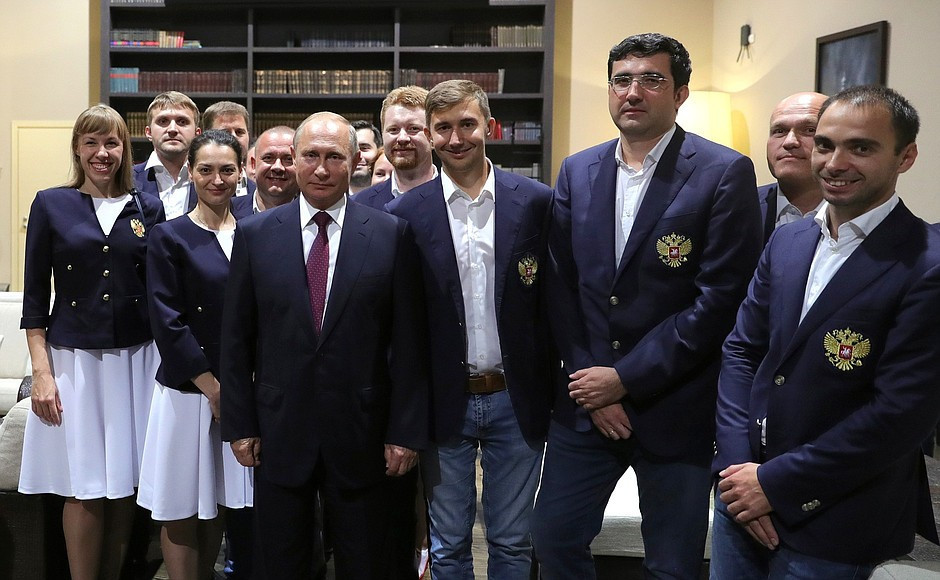 Russian players preparing for the 43rd Chess Olympiad that starts in the Georgian city of Batumi tomorrow received encouragement from President Vladimir Putin at their Sochi training base ©The Kremlin