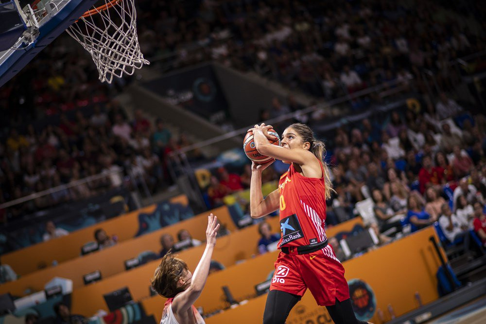 Spain enjoyed a strong start in front of a home crowd ©FIBA