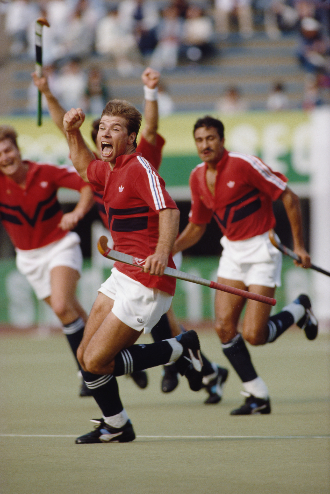 Stephen Batchelor leads the celebrations after Great Britain beat West Germany 3-1 in the Seoul Olympic men's hockey final ©Getty Images