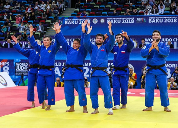 The Russian mixed team won bronze, but their President was not there to witness it ©IJF