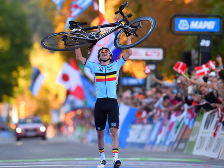 Belgium's Remco Evenepoel gets a lift after winning the junior men's road race title at the UCI Road World Championships in Innsbruck, having already won the men's junior time trial ©UCI