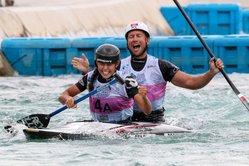 Stach and her coach Pochwala win C2 mixed gold at ICF Canoe Slalom World Championships