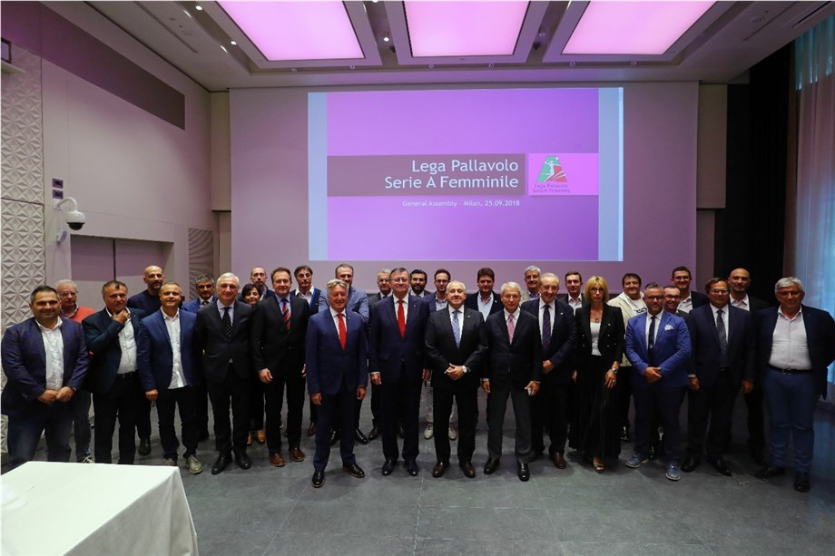 International Volleyball Federation President Ary Graça at the General Assembly of the Lega Pallavolo Serie A Femminile in Milan ©FIVB