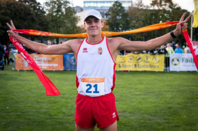 Hungary's Bence Kardos secured gold in the men's race ©UIPM