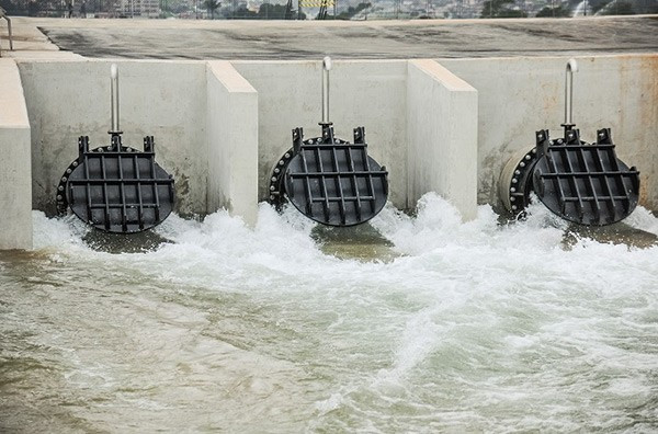 The venue which uses a series of pumps and man-made obstacles to simulate a natural river