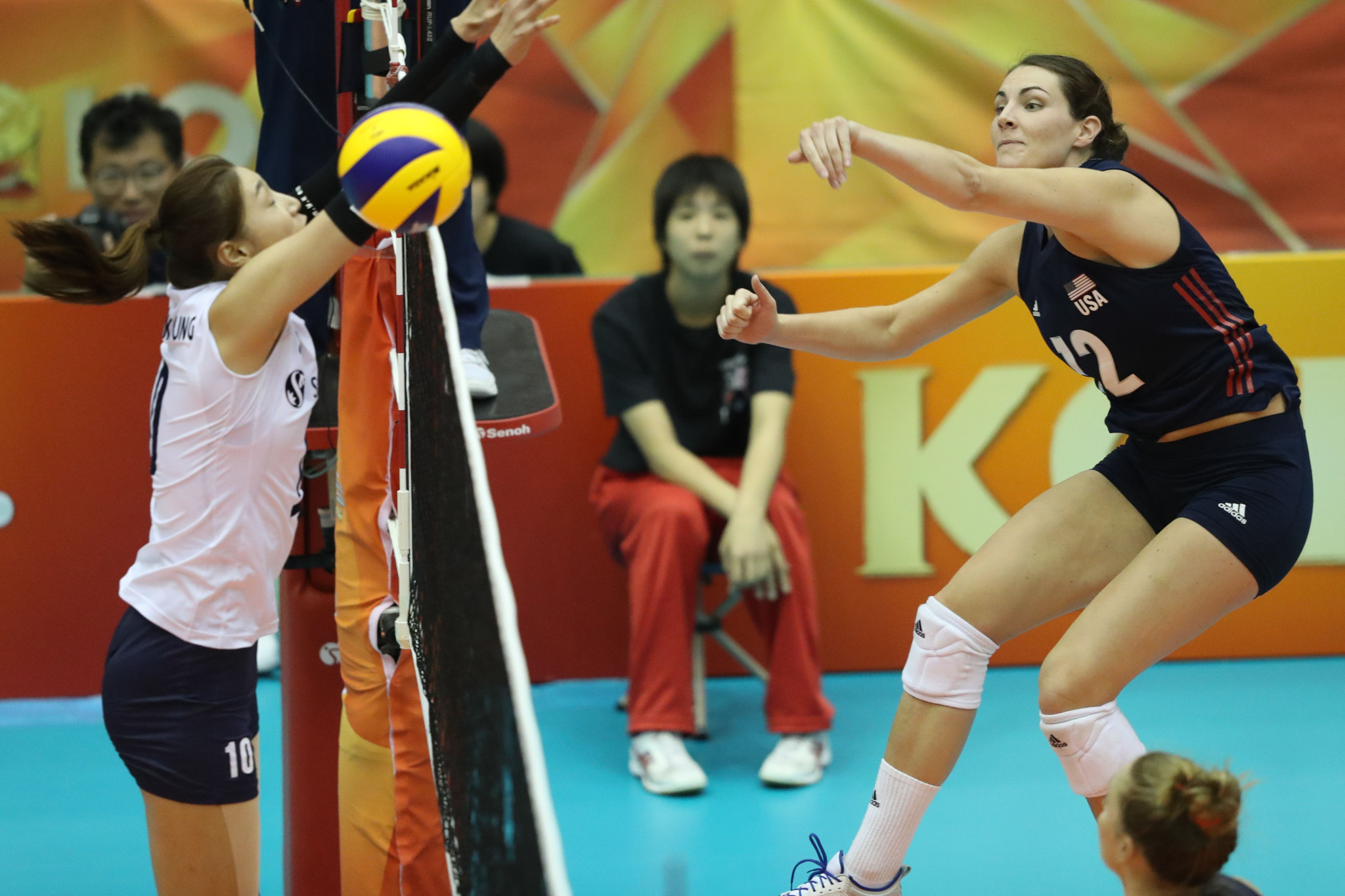 The United States came back from a set down against South Korea to book their spot in round two ©FIVB