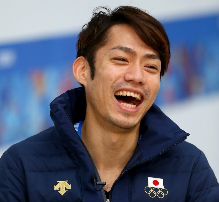 Former figure skating world champion Takahashi finishes third in competitive return
