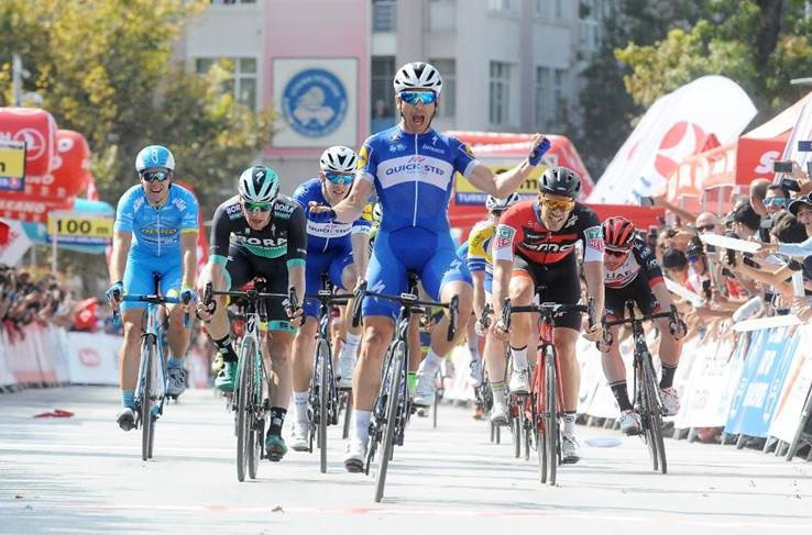 Richeze wins Tour of Turkey stage one as team-mate Gaviria crashes