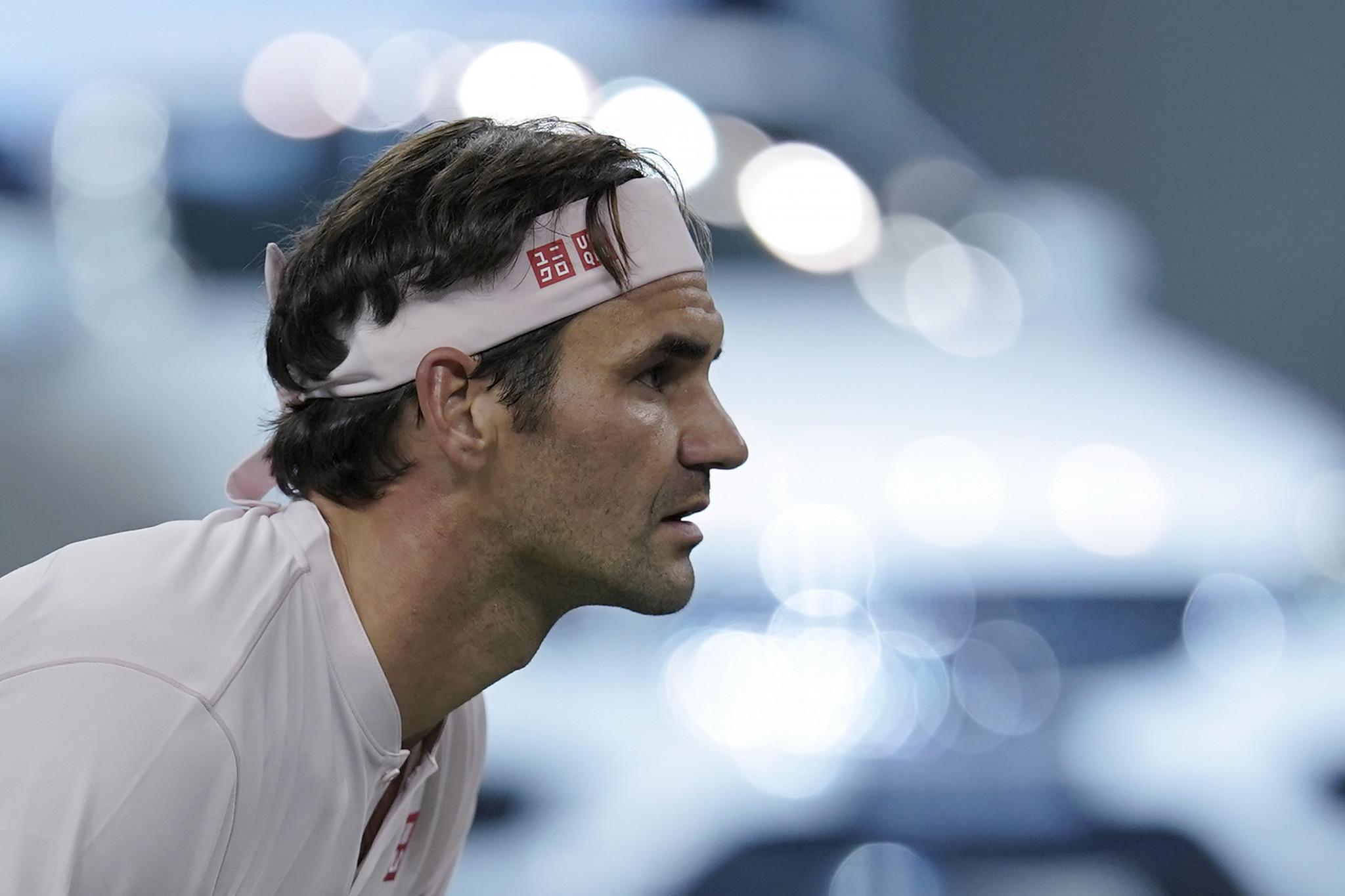 Federer and Djokovic through to Shanghai Masters quarter-finals