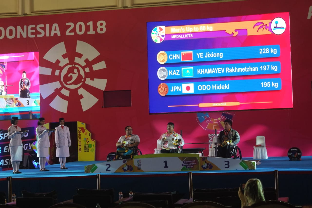 Chinese powerlifter  Jixiong Ye broke the world, Asian and Asian Para Games record in the men's 88kg event today ©Asian Para Games