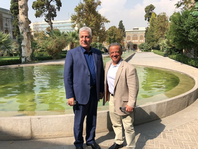 Rafael Santonja, right, visited Golestan Palace during his time in Tehran with Iranian counterpart Naser Pouralifar ©IFBB