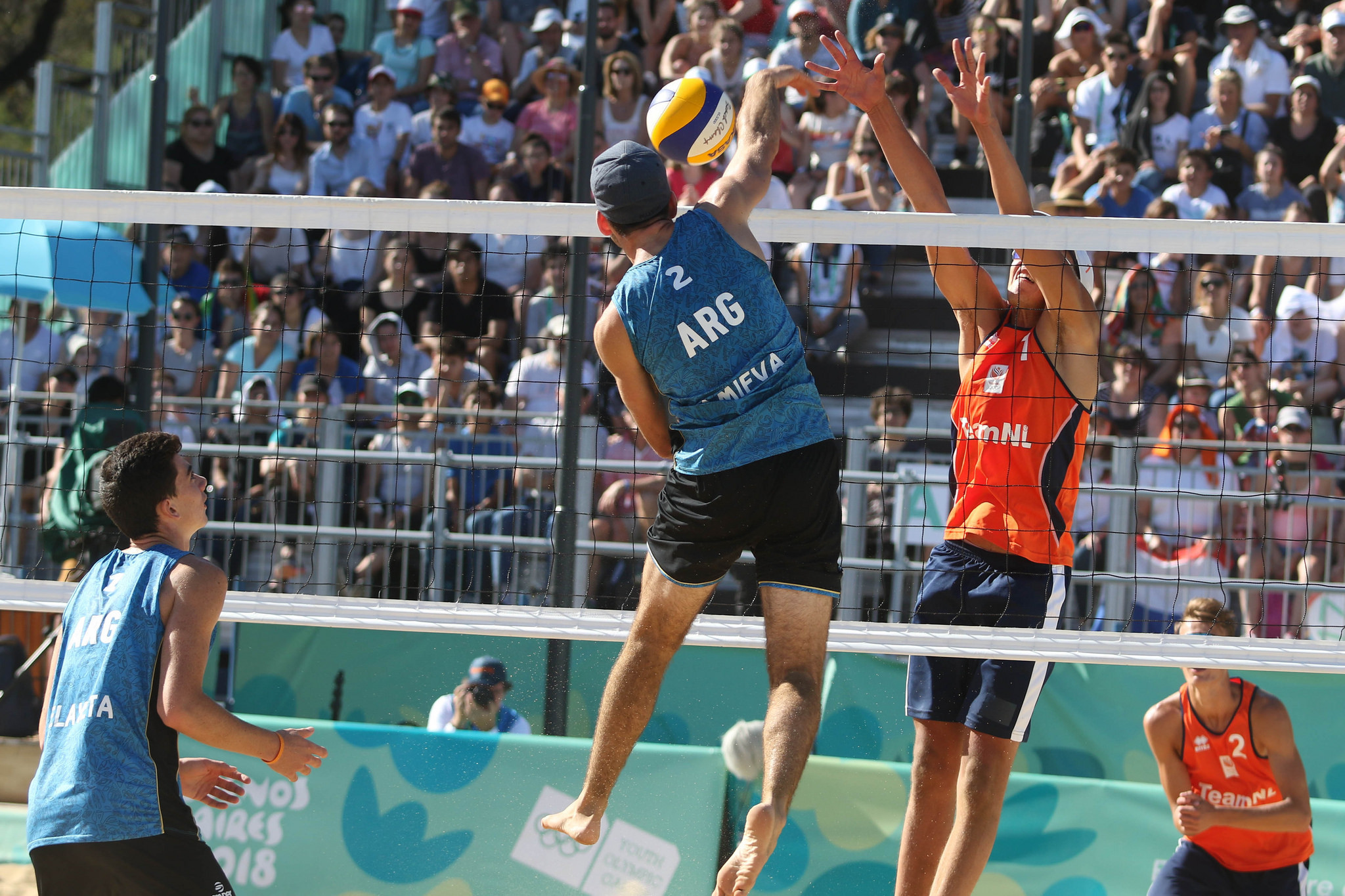 Beach volleyball action continued on day 10 ©Buenos Aires 2018