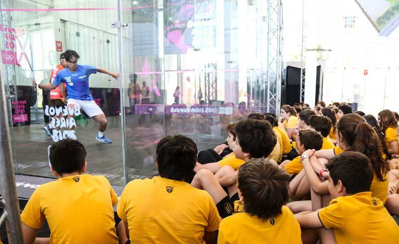 Squash matches at the Summer Youth Olympic Games in Buenos Aires were held in glass showcourts as part of a successful World Squash Day and which organisers hope will help its bid for inclusion at Paris 2024 ©PSA/WSF