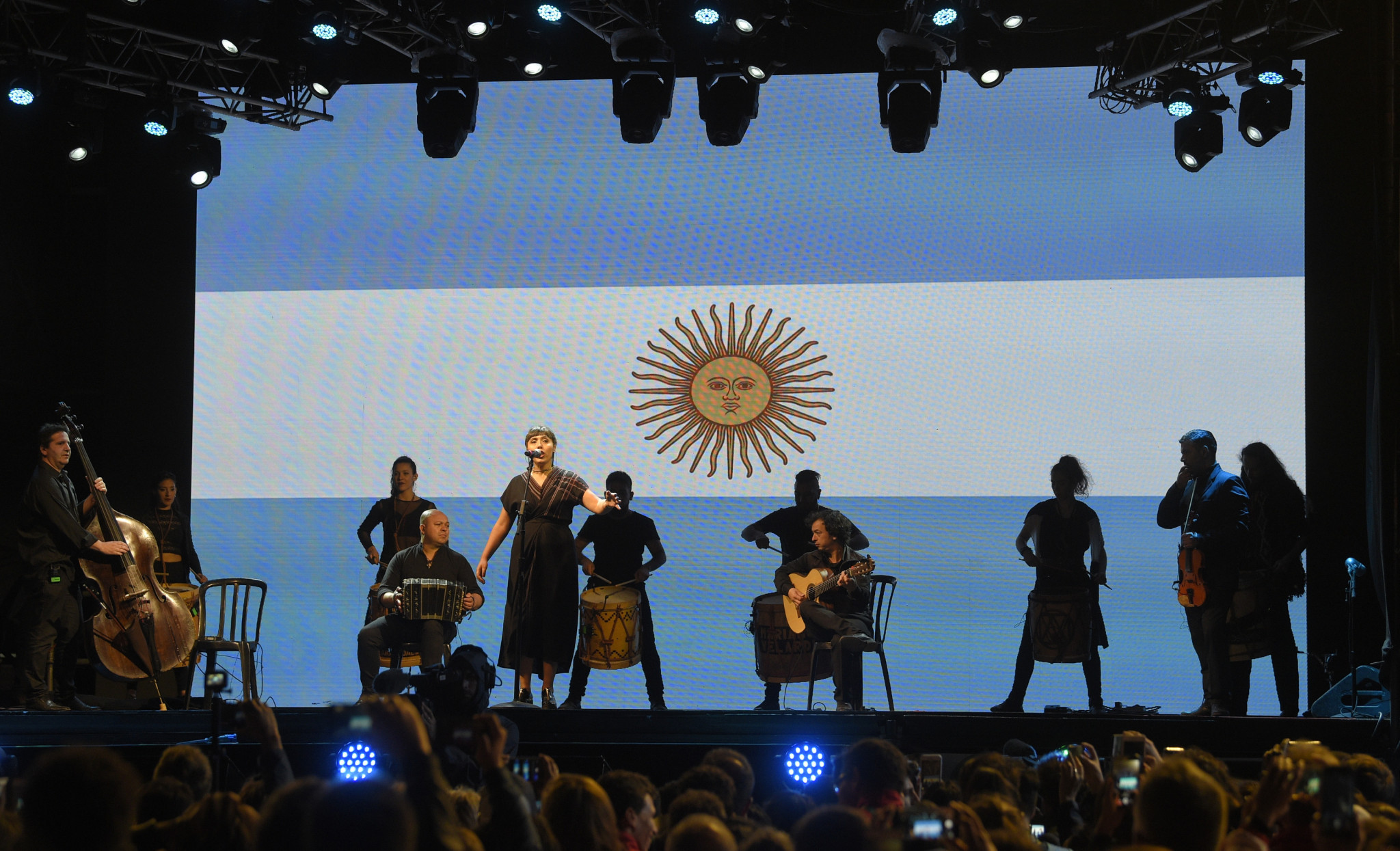 Argentina's hosting of the Games came to a close with a short Ceremony ©Getty Images
