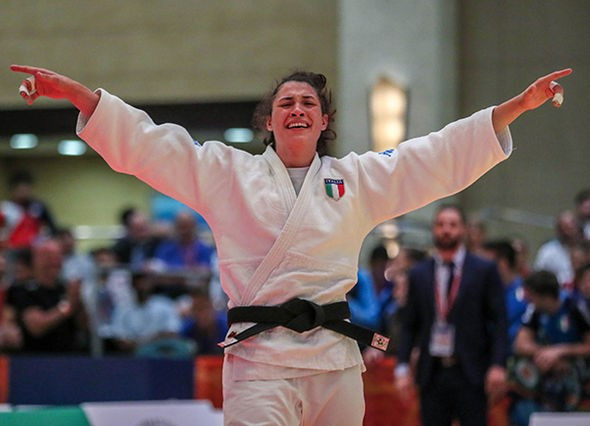 Italy's Alice Bellandi was in tears after she won gold ©IJF